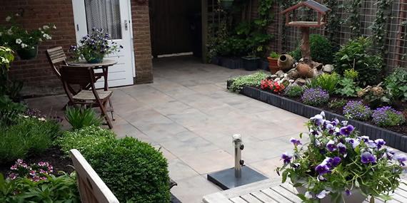 http://www.jansenhoveniers.nl/wp-content/uploads/2013/01/header-gardenlux-570-285-03.jpg