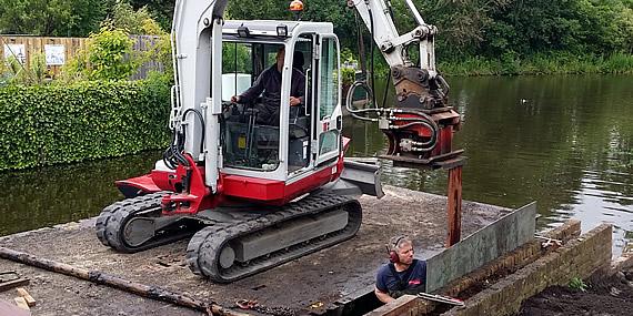 http://www.jansenhoveniers.nl/wp-content/uploads/2014/11/header-beschoeiingen-570-285-001.jpg